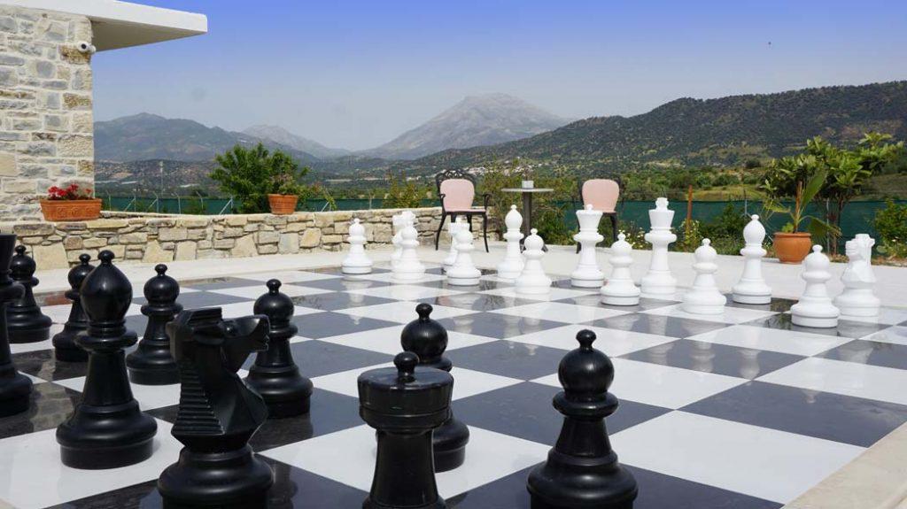 Chess ZeusDione, Lagolio